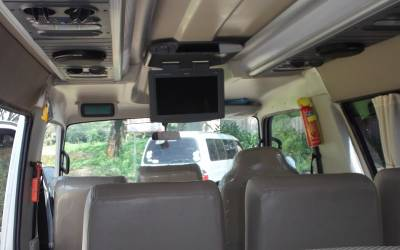 Keunggulan mobil Isuzu ELF untuk pariwisata