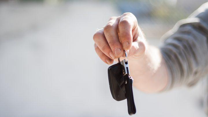 Syarat dan Ketentuan Sewa Mobil Lepas Kunci yang Harus Anda Ketahui